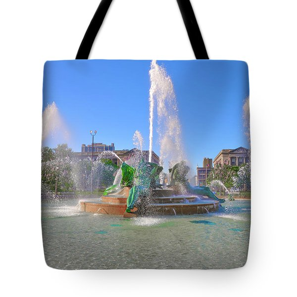Tote Bag featuring the photograph Philadelphia - Swann Fountain At Logan Square by Bill Cannon