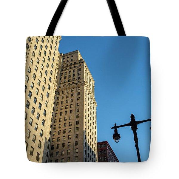 Philadelphia Urban Landscape - 0948 Tote Bag by David Sutton