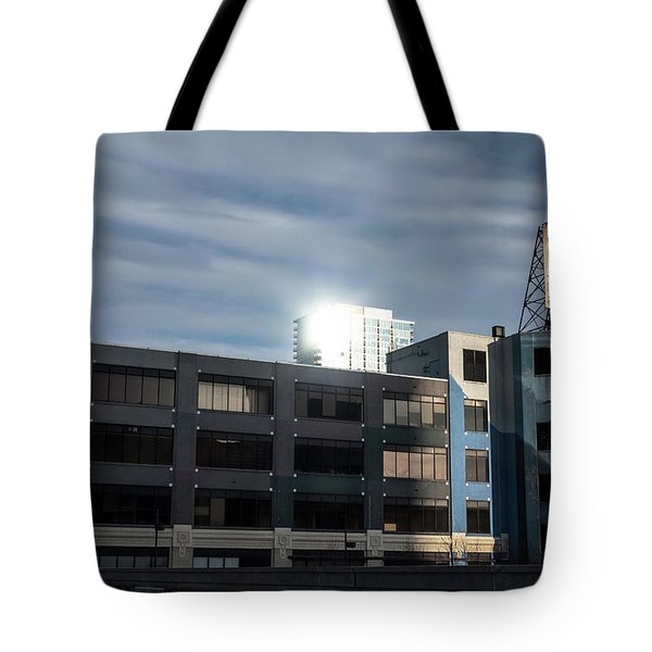Philadelphia Urban Landscape - 1195 Tote Bag by David Sutton