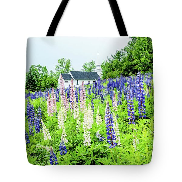 Tote Bag featuring the photograph Photographers Dream Or Allergy Nightmare by Greg Fortier