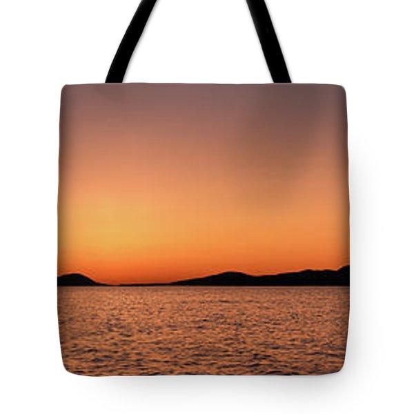 Pic Horizons Tote Bag