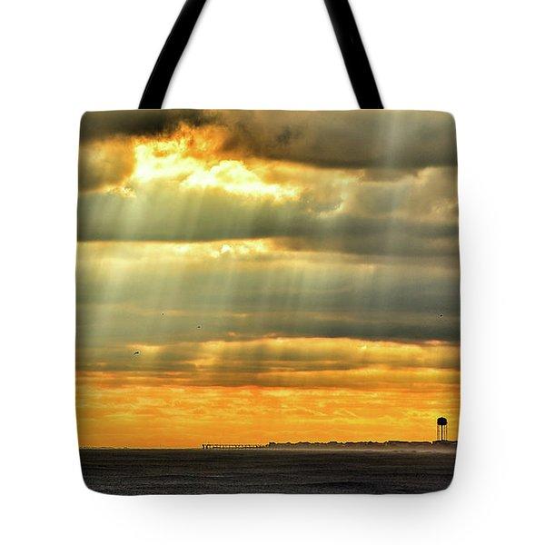 Pier Rays Tote Bag