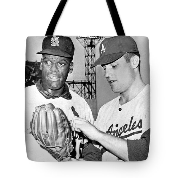 Pitcher Bob Gibson Tote Bag by Underwood Archives