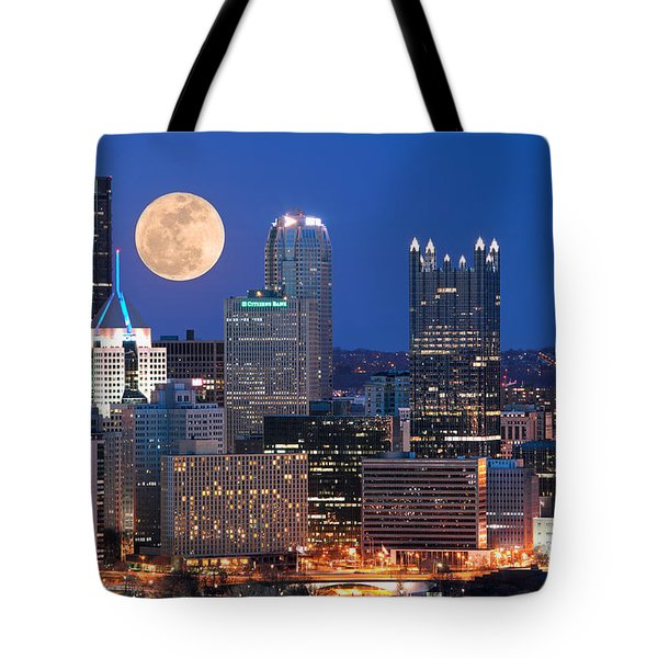 Pittsburgh 6 Tote Bag by Emmanuel Panagiotakis