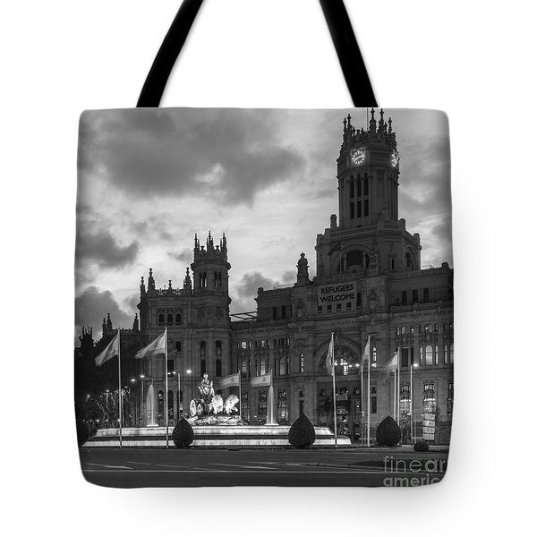 Plaza De Cibeles Fountain Madrid Spain Tote Bag