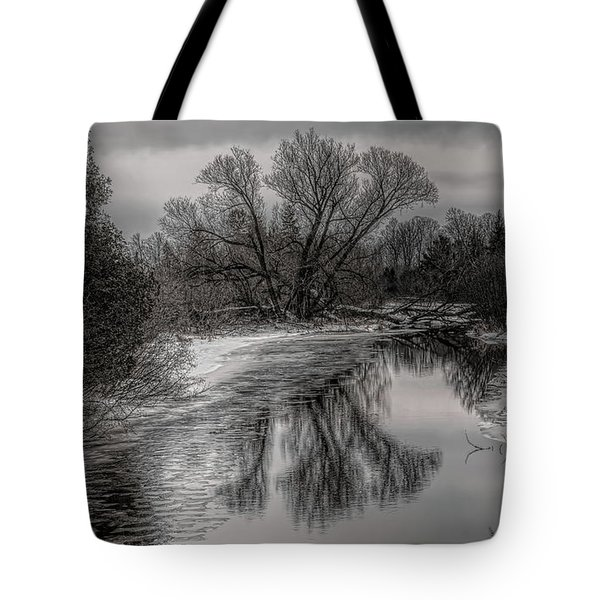 Tote Bag featuring the photograph Plover River Black And White Winter Reflections by Dale Kauzlaric