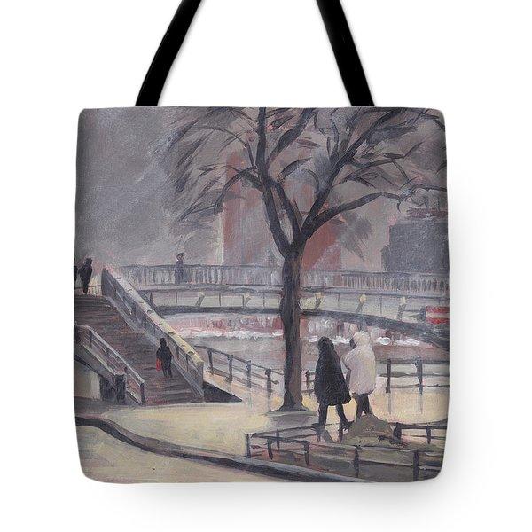 Pluie Sur Le Pont Passarelle Liege Tote Bag