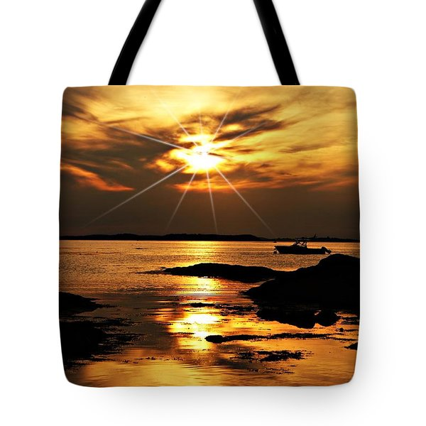Plum Cove Beach Sunset E Tote Bag by Joe Faherty