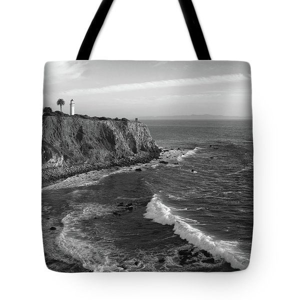 Point Vicente Lighthouse Palos Verdes California - Black And White Tote Bag