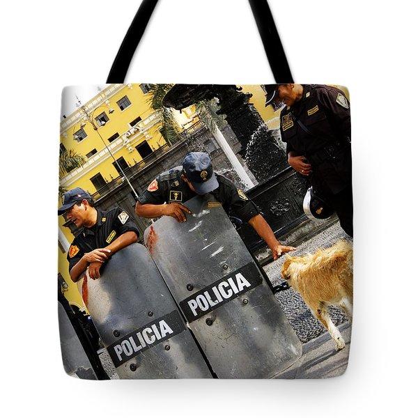 Policia Con Perro Tote Bag