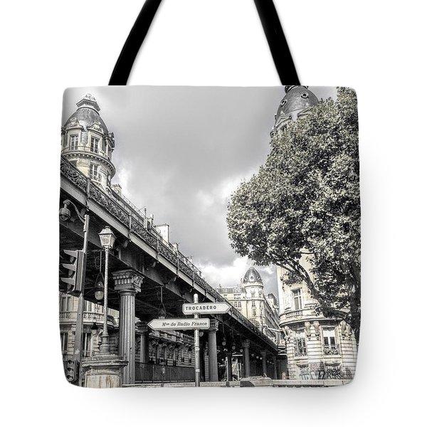 Pont De Bir-hakeim, Paris, France Tote Bag