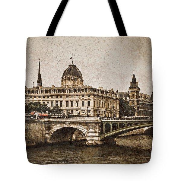 Paris, France - Pont Notre Dame Oldstyle Tote Bag