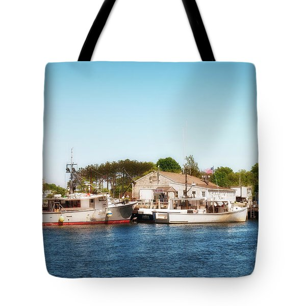 Tote Bag featuring the photograph Portsmouth Fishing Pier by Sharon Seaward