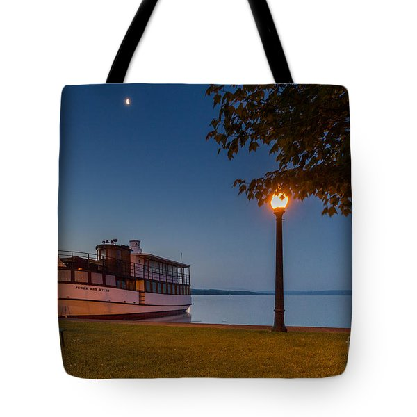 Resting Judge Tote Bag