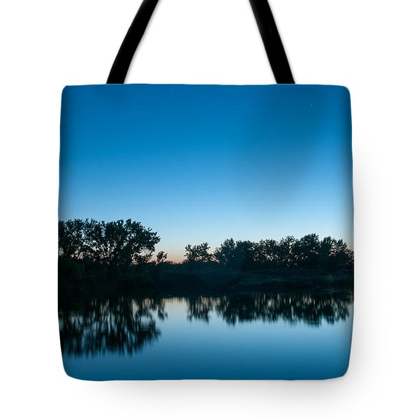 Tote Bag featuring the photograph Predawn At Arapaho Bend by Monte Stevens