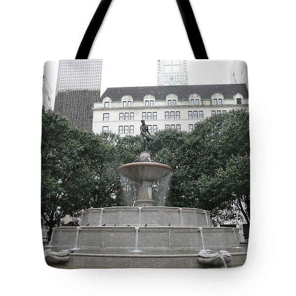 Pulitzer Fountain Tote Bag by Valerie Ornstein
