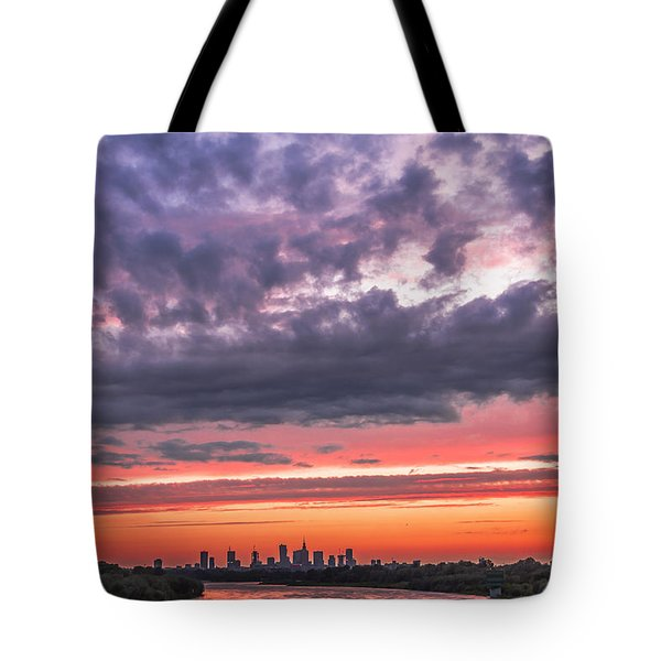 Purple And Red Sky Over Warsaw And Vistula River Tote Bag