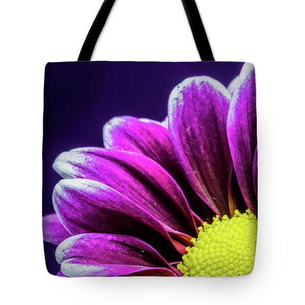 Purple Daisy Being Shy Tote Bag