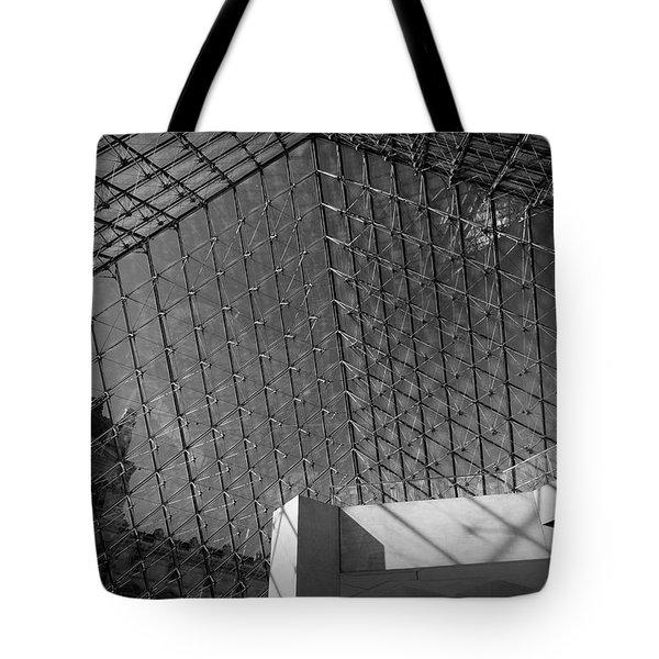 Pyramide Du Louvre Tote Bag by Sebastian Musial