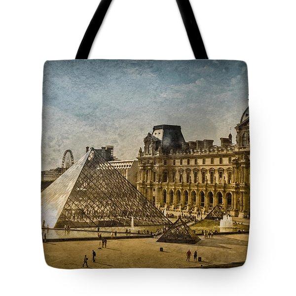 Paris, France - Pyramide Tote Bag