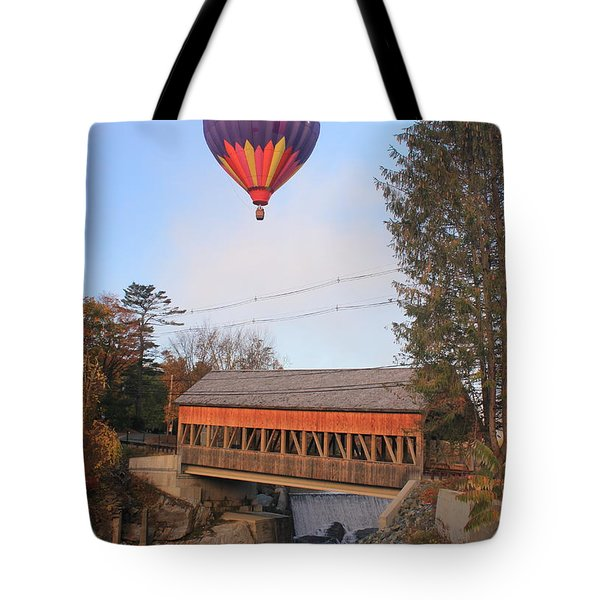Quechee Vermont Covered Bridge And Hot Air Balloon Tote Bag