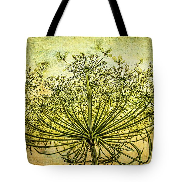 Queen Anne's Lace At Sunrise Tote Bag