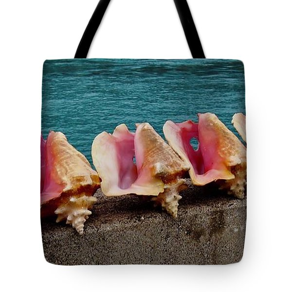 Queen Conch Tote Bag