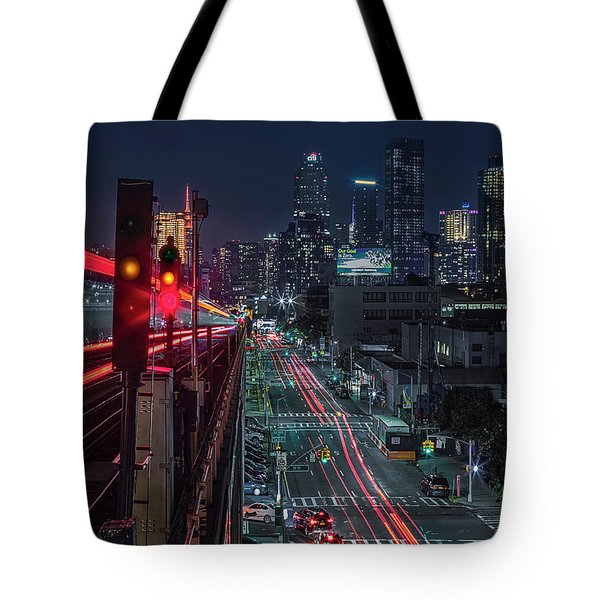 Tote Bag featuring the photograph Queens 7 Train And Nyc Skyline by Susan Candelario
