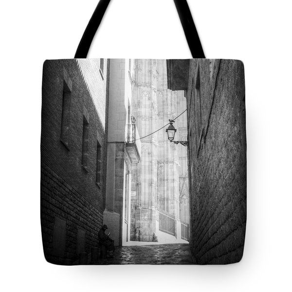 Quiet Moment Near Barcelona Cathedral, B/w Tote Bag by Valerie Reeves