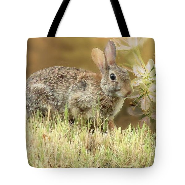 Eastern Cottontail Rabbit In Grass Tote Bag