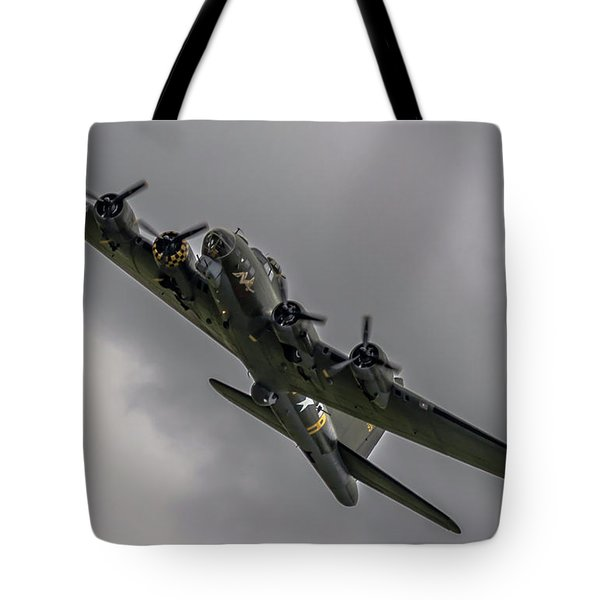 Raf Scampton 2017 - B-17 Flying Fortress Sally B Turning Tote Bag