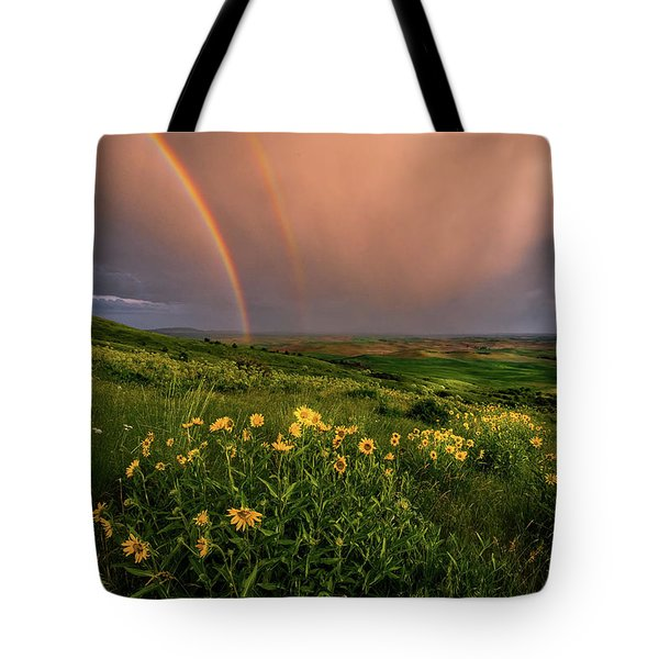 Rainbow At Steptoe Butte Tote Bag