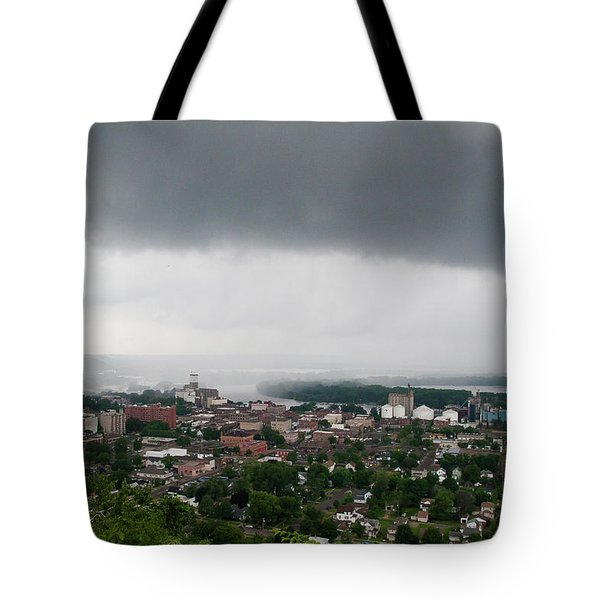 Tote Bag featuring the photograph Ral-2 by Ellen Lentsch