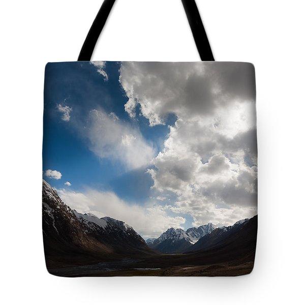 Ray Of The Sky Tote Bag by Konstantin Dikovsky