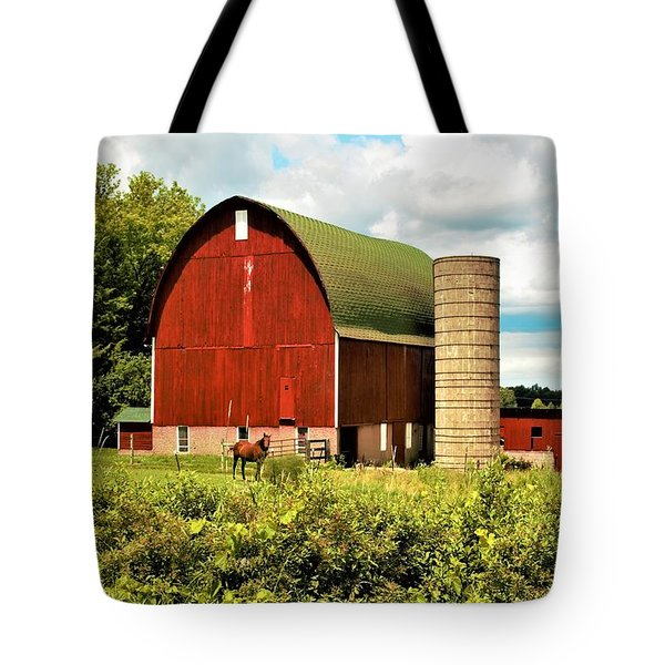 0040 - Red Barn And Horses Tote Bag