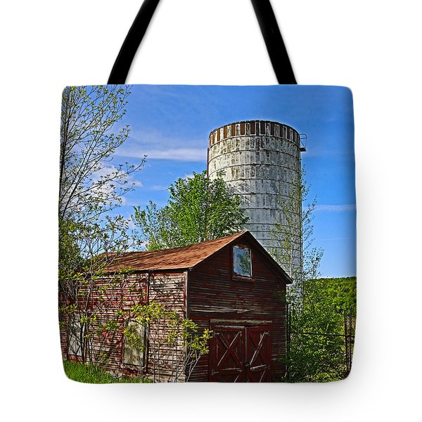 Tote Bag featuring the photograph Red Barn And Silo by Paula Porterfield-Izzo