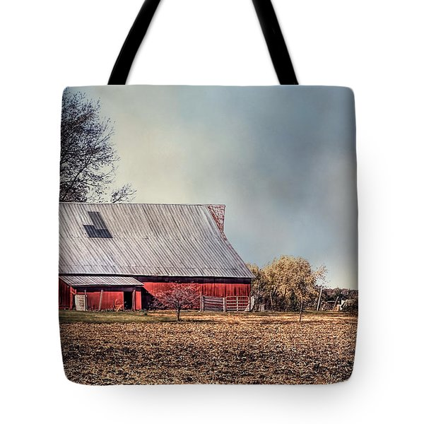 Red Barn In Late Fall Tote Bag