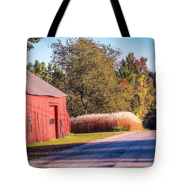 Red Barn In The Country Tote Bag