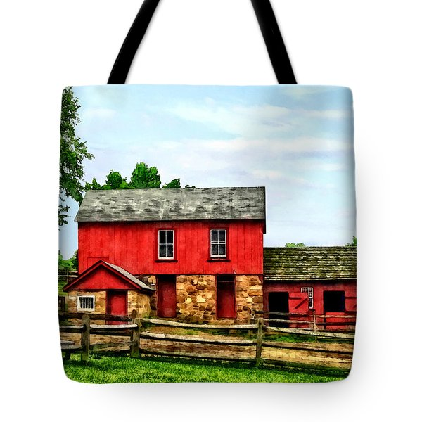 Red Barn With Fence Tote Bag by Susan Savad
