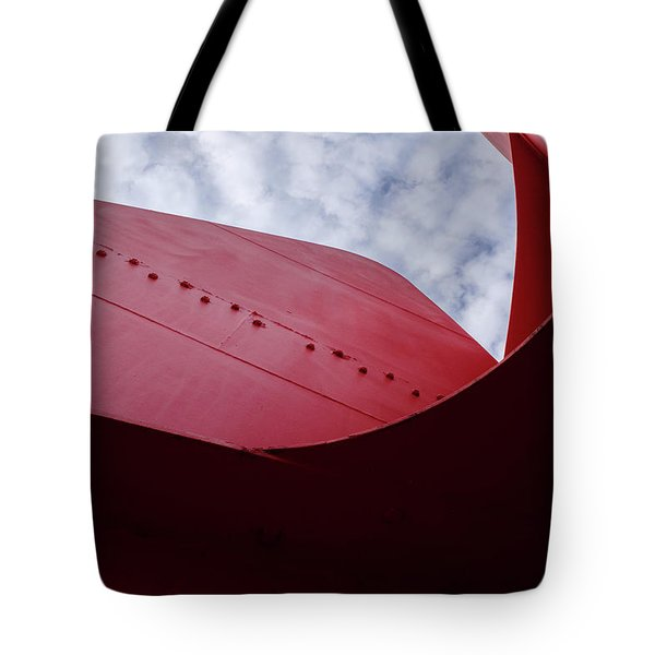 Red Curved Metal Looking Up At The Blue Sky In Grand Rapids Michigan Tote Bag