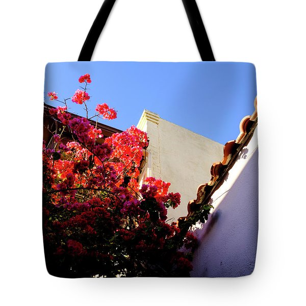 Red Flowers And Architecture In Saint Augustine Florida Tote Bag