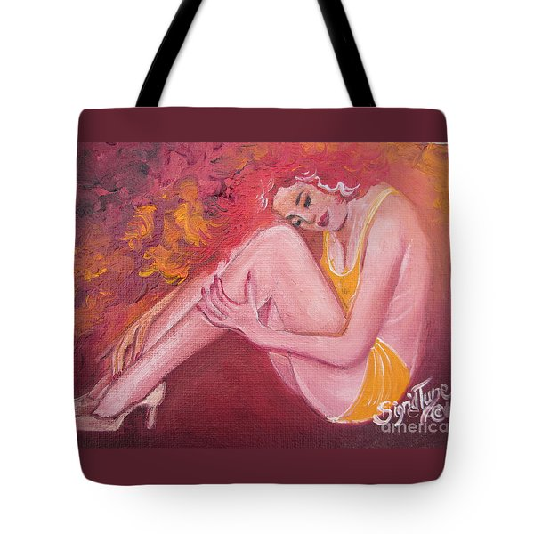 Blaa Kattproduksjoner                   Red Head In Yellow Bathingsuit Tote Bag