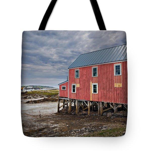 Red Sea Barn Tote Bag