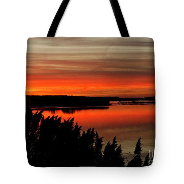 Red Sky On The Illinois River Tote Bag