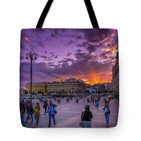 Red Square At Sunset Tote Bag
