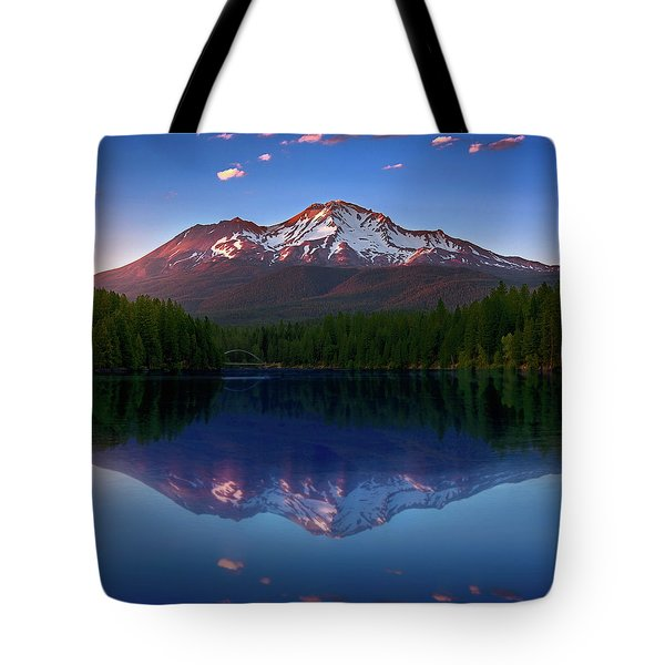 Reflection On California's Lake Siskiyou Tote Bag