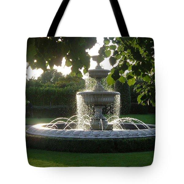 Regents Park Fountain Tote Bag