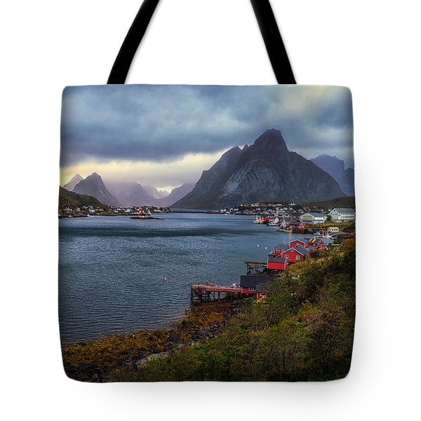 Tote Bag featuring the photograph Reine by James Billings