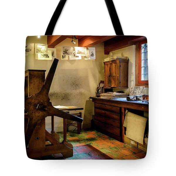 Tote Bag featuring the photograph Rembrandt's Former Graphic Workshop In Amsterdam by RicardMN Photography