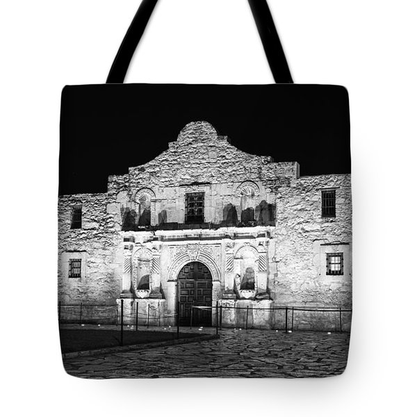 Remembering The Alamo - Black And White Tote Bag
